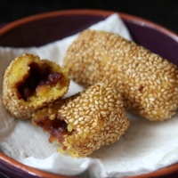 Fried Pumpkin Mochi Stuffed With Azuki Paste [recipe]