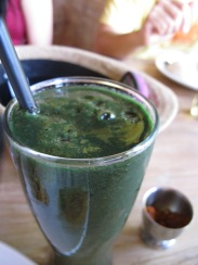 the siCko juice. spirulina, banana...etc.