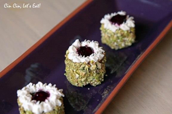 tea party 2013_pistachio cake 5