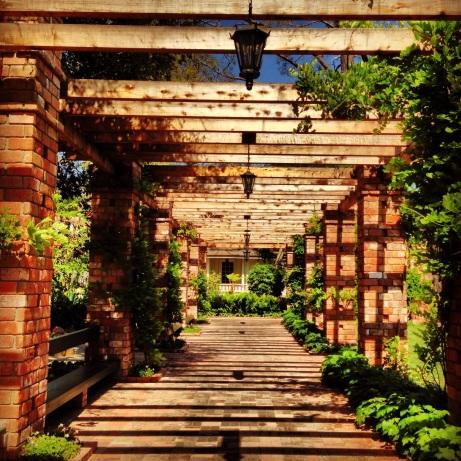 SB_El_encanto_grounds